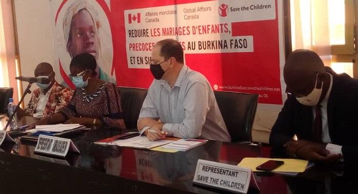 Droits humains: L'ONG Save the Children en lutte contre les mariages précoces des jeunes filles au Burkina