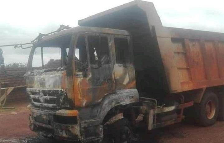 Province du Sourou: des individus armés incendient le matériel d'une entreprise