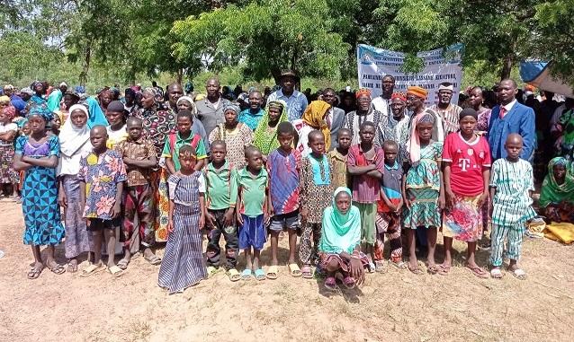 Région du Centre: L'ONG AIME offre des sacs, des vélos et des vivres à des veuves et orphelins de Tanghin-Dassouri