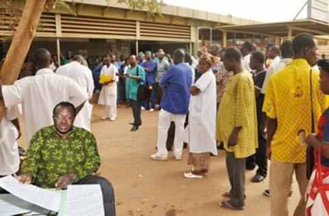 Hamadi Confé, responsable SYNTSHA du CHU Yalgado Ouédraogo: «On nous oblige au sit-in».