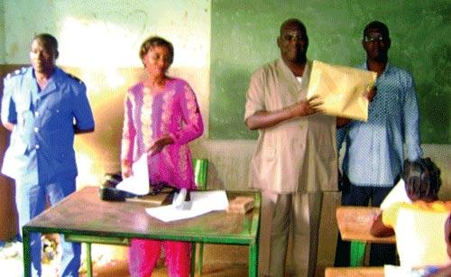 LANCEMENT DES CONCOURS DIRECTS SESSION 2012: Une candidate accouche pendant la composition à Koudougou