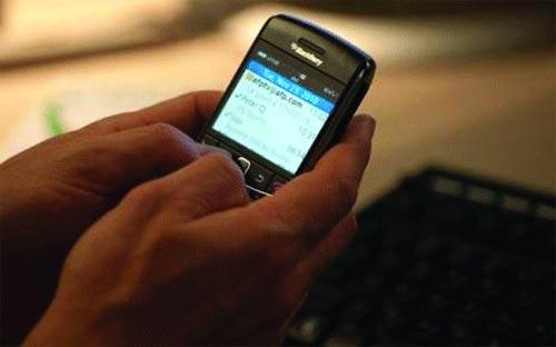 NFO@ - TÉLÉPHONIE MOBILE ET VIE DE COUPLE: A chacun son portable