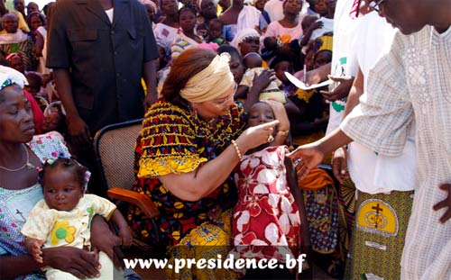 JNV 2012: Chantal COMPAORE demande aux burkinabè d'adhérer aux programmes de vaccination