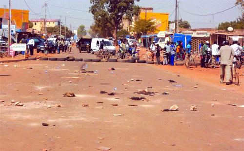 Insécurité routière: Les jeunes du secteur n°10 manifestent, suite à un accident mortel