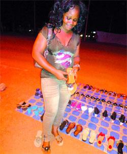 Vente de chaussures à Ouagadougou: Au coeur d'un commerce de nuit