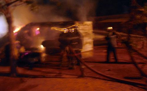 Quartier Ouezzin-ville: Un camion contenant des balles de coton prend feu