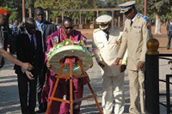 Des fleurs pour Maurice YAMEOGO, des médailles pour les vaillants fils