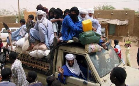 Intervention militaire au Mali: Dix ONG demandent des mesures pour réduire les risques encourus par les civils