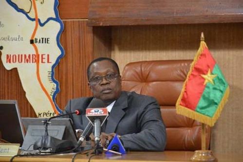 Assemblée nationale: La Ve législature se met en place à petits pas