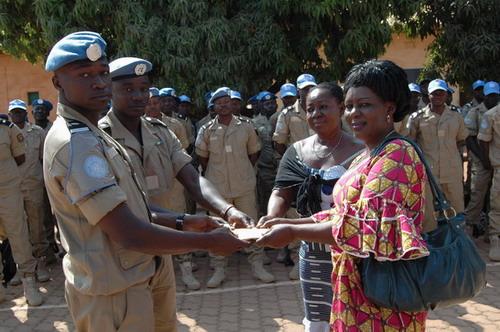 Gendarmerie nationale: la 11è escadron de soutien à la paix au Darfour solidaire des veuves et orphelins de gendarmes.