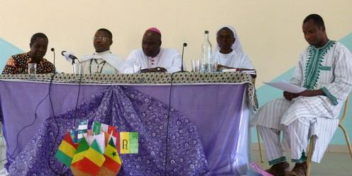 Assemblée Générale à Mater Christi: Les religieux et religieuses donnent un exemple d'intégration.