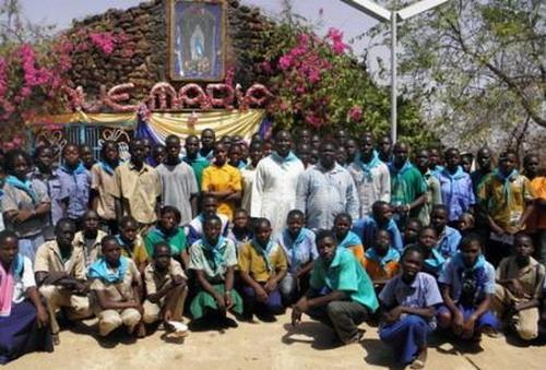 Civisme, citoyenneté et morale chrétienne: Les élèves et étudiants en introspection au sanctuaire marial de Yagma