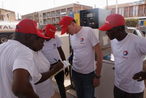 Semaine Top Service: Les équipes de Total Burkina s'impliquent sur le terrain