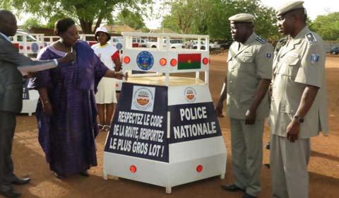20 box ''LONAB'' de sécurité routière à la Police Nationale :  C'est un  bien public à protéger, dixit Roger Zango