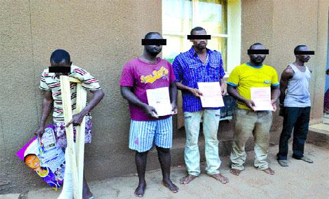 LUTTE CONTRE LE BANDITISME:  Deux bandes d'escrocs présumés aux arrêts