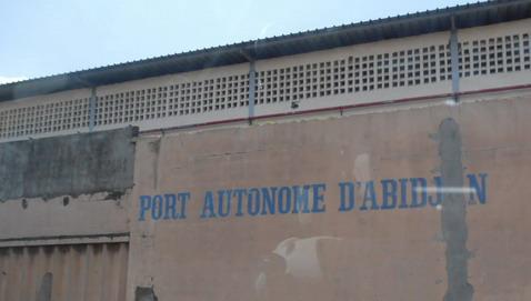 L'économie ivoirienne crée de la croissance pour le pays mais pas d'emplois pour les Ivoiriens.