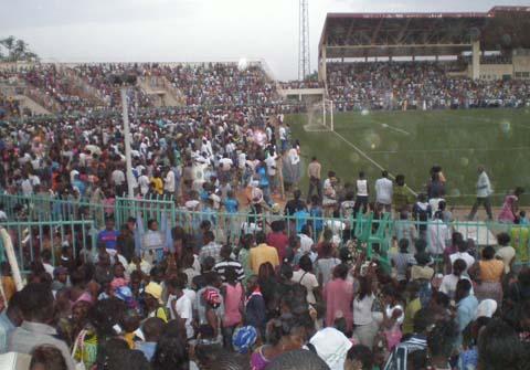 Nuit d'évangélisation au stade municipal de Ouagadougou:             Entre miracles et guérisons