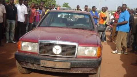 Délinquance transfrontalière: Il vole un véhicule devant une mosquée à Bobo-Dioulasso