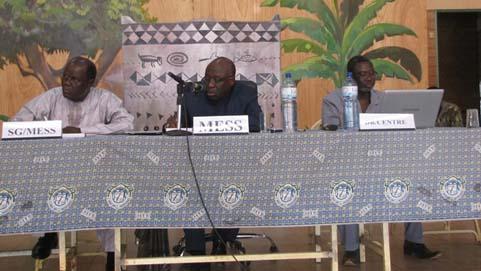 Manifestations des élèves: Le ministre Ouattara  rencontre les chefs d'établissements de Ouagadougou