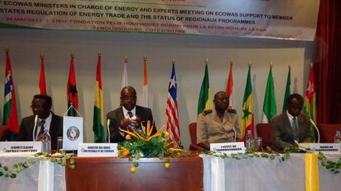 Espace CEDEAO: Des experts se penchent sur le crucial problème de l'énergie