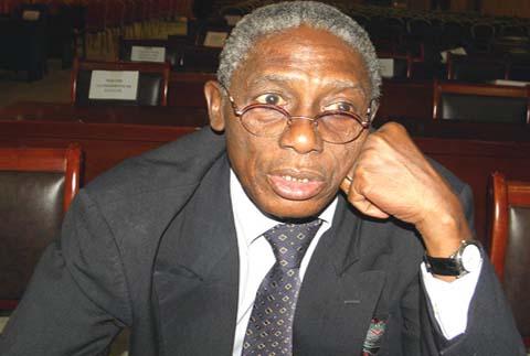 Basile L. Guissou, Ancien ministre burkinabè des Relations extérieures: «Il n'y a nulle part au monde une structure comparable  à l'OUA»