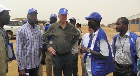 Promotion du bien-être de l'enfance: Le PDG Nigel Chapman grand témoin des réalisations de Plan au Burkina
