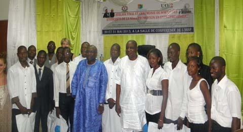 Formation des étudiants à l'entrepreneuriat: La 4e promotion des universités de Ouaga sur le marché.