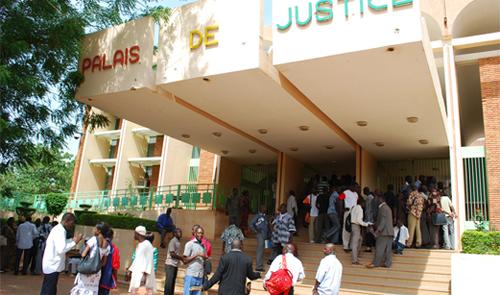 Palais de justice: Une enquête sur des juges corrompus ou simple récrimination d'un ministre?