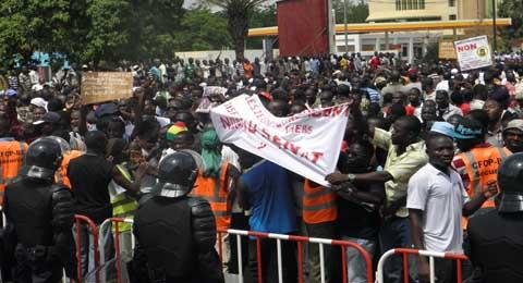 Marche meeting de l'opposition à Ouagadougou: La police disperse violemment les manifestants
