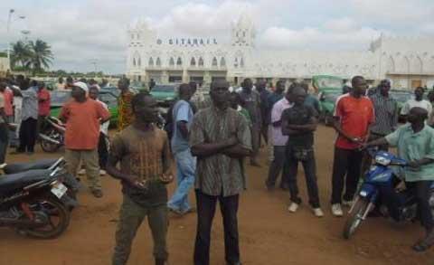 Transport en commun: Les taximen en grève à Bobo