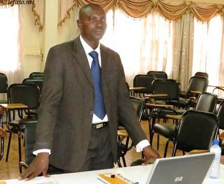 Enseignement supérieur: L'intranet de l'Université de Ouagadougou au scanner de Hamado Tougri