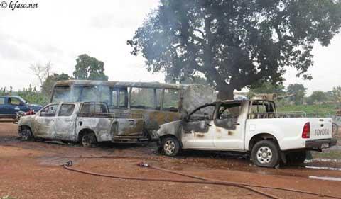 Cité universitaire de Kossodo: Des dizaines de véhicules incendiés ou saccagés, des étudiants arrêtés