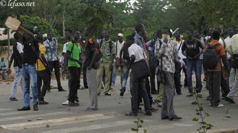 Etudiants délogés: La solidarité s'organise