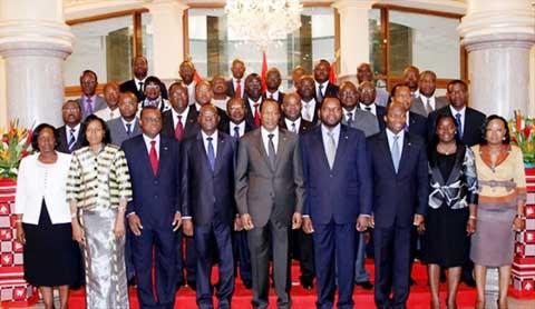 Gouvernement de l'après-Sénat:                        Revue d'effectif avant les grandes manœuvres