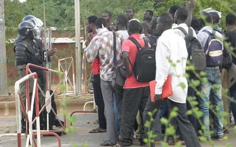 Visite de soutien aux étudiants détenus à la MACO