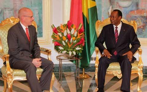 L'ambassadeur du Royaume de Belgique au Burkina en fin de mission reçu par le Président du Faso