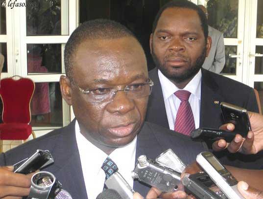 Mise en place du Sénat: «Nous sommes dans une situation de wait and see», selon le Premier ministre Tiao