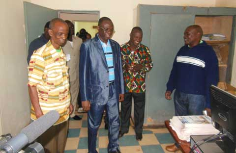 Bobo: Luc Adolphe Tiao en visite à la commune et au quotidien l'Express du Faso