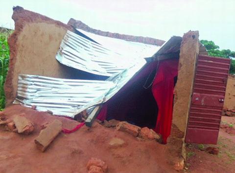 Secteur n°17 de Bobo-Dioulasso: Une mystérieuse maisonnette s'effondre à Sarfalao
