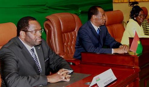 Sénat: Arsène Bongnessan Yé espère que Blaise Compaoré trouvera des solutions dans le rapport circonstancié.