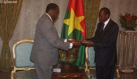 Mise en place du sénat: Le rapport d'étape circonstancié a été remis à Blaise Compaoré