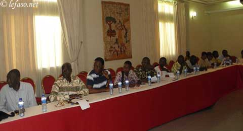 Lutte antitabac: Le ministère de la santé outille  les journalistes