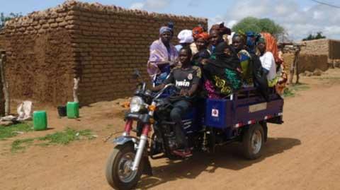 Tribune de la femme: «Nous préférons les tricycles aux taxis», parole des femmes à Bobo-Dioulasso
