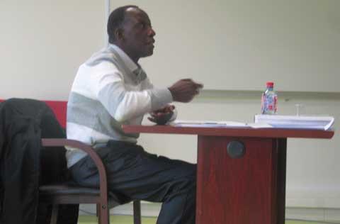 Soutenance de thèse à l'Université de Rouen:  Adama Kéré révèle les motivations  à la formation chez les infirmiers Burkinabè