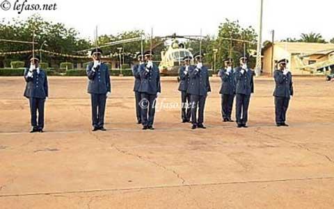 Sécurité aérienne: 11 nouveaux pilotes officiers en renfort