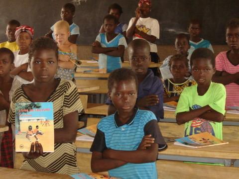 Chronique du Gouvernement: La rentrée scolaire et académique 2013-2014 sous de bons auspices