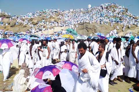 Hadj 2013: Les pèlerins burkinabè poursuivent les rites à Minah et Arafat.