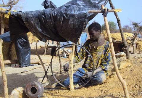 Lutte contre les pires formes de travail des enfants: Sensibiliser d'abord pour faire prendre conscience aux acteurs des dangers