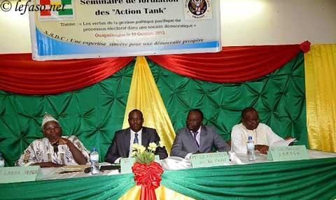 Universités du Burkina: Des étudiants à l'Ecole de la gestion pacifique des processus électoraux