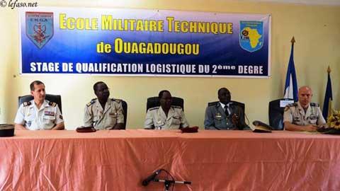 Ecole militaire technique de Ouagadougou: seize stagiaires aptes en logistique reçoivent leurs diplômes